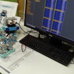 2足歩行ロボットプログラミング